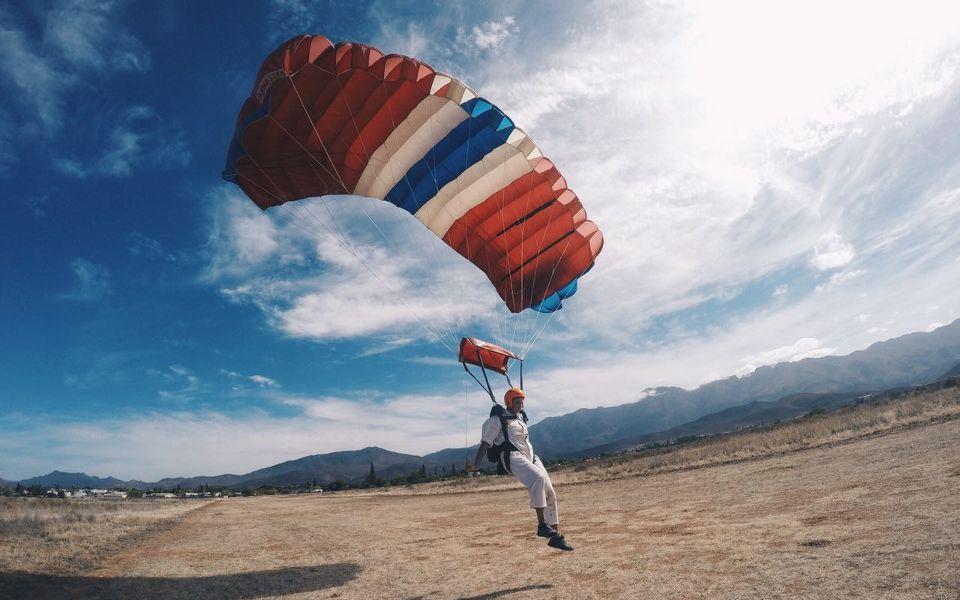 Paul Kotze Robertson Skydive School Landing Like a Boss
